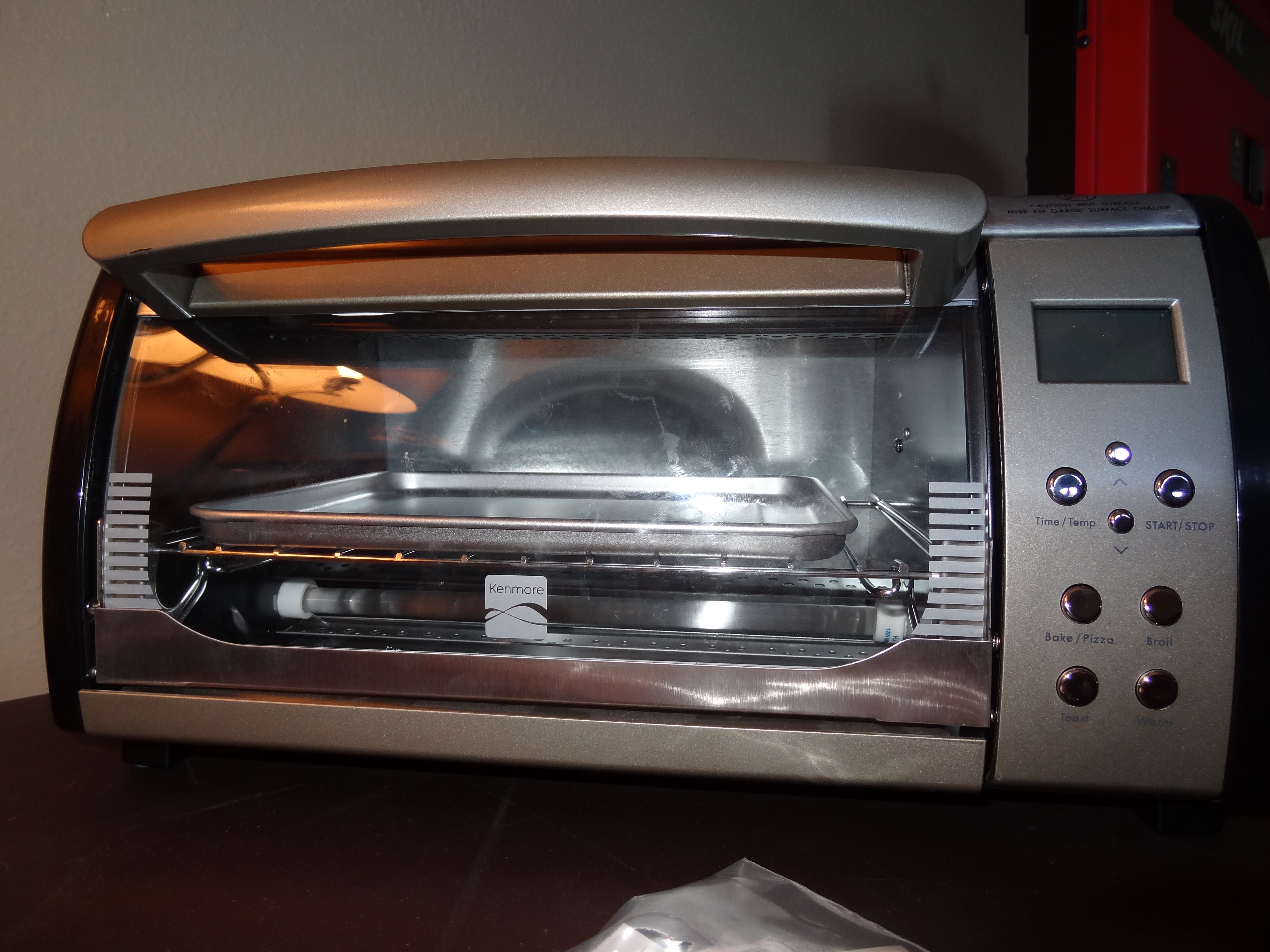 kenmore toaster oven. when it is taken apart to where the circuit boards are accessible looks like what you see below. there is, however, a ribbon cable in first picture kenmore toaster oven